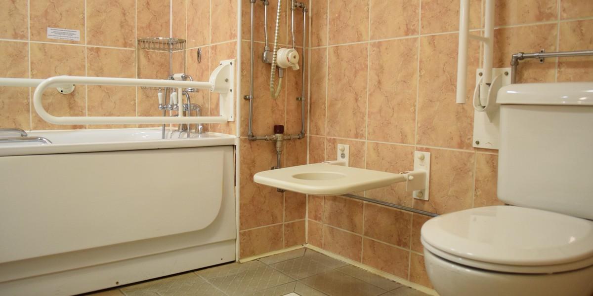 Accessible Bedroom - Bathroom
