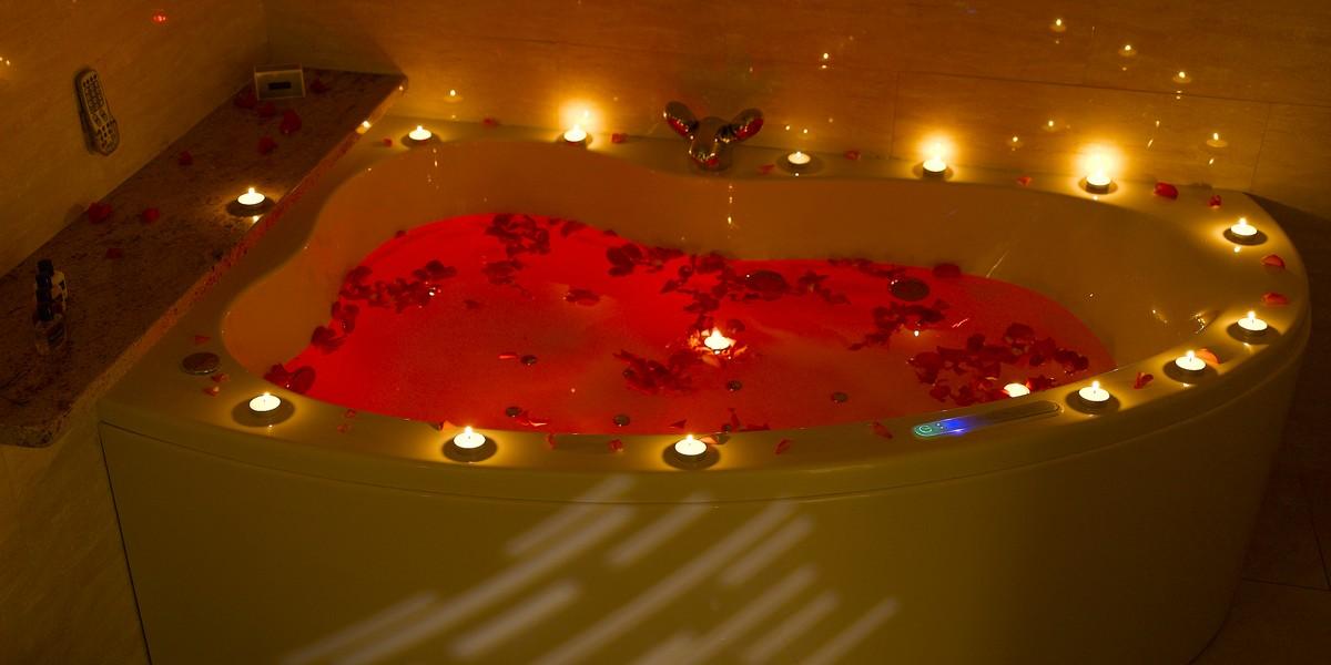 Luxury Suite - Jacuzzi Bath