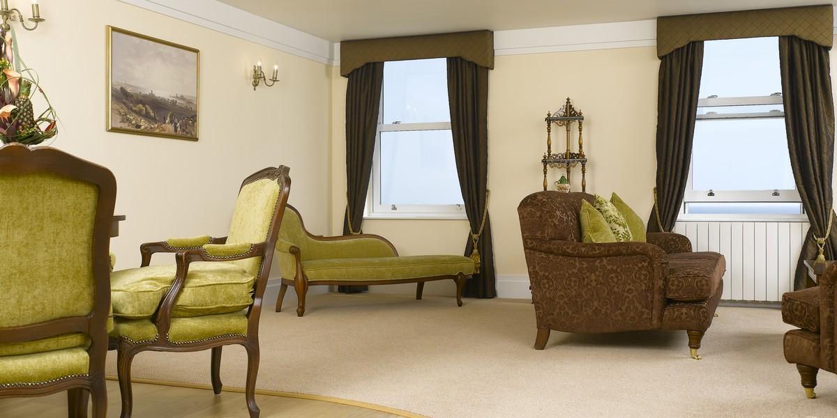 Luxury Suite - William Hoggart Suite